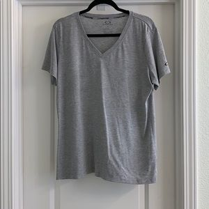Women's Oakley Grey T Shirt size XL